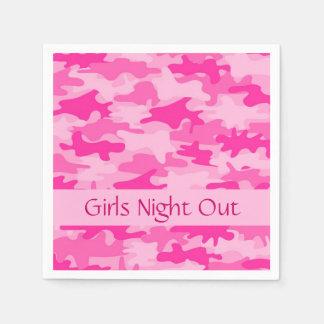 La noche rosada de los chicas del camuflaje de servilletas desechables