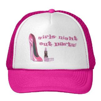 La noche rosada de los chicas del estilete y del l gorros bordados