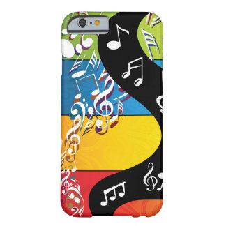 La nota musical remolina en color funda de iPhone 6 barely there
