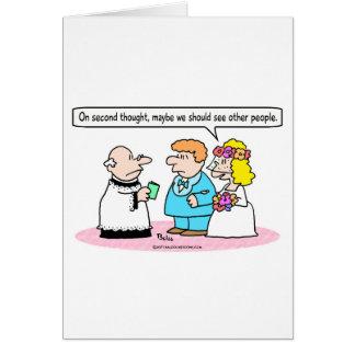 la novia del boda ve a la otra gente felicitación