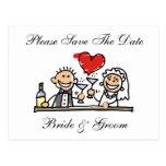 La novia y el novio ahorran la tarjeta de fechas postal
