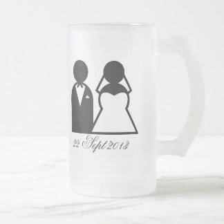 La novia y el novio jarra de cerveza esmerilada