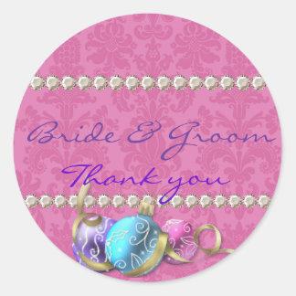 La novia y el novio le agradecen favorecer el pegatina redonda