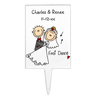 La novia y el novio primero bailan las camisetas y figuras para tartas