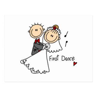 La novia y el novio primero bailan las camisetas y tarjetas postales