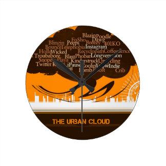 La nube urbana reloj redondo mediano