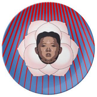 La O.N.U de Kim Jong en magnolia con los rayos Platos De Cerámica