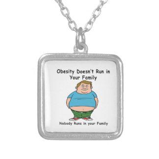 La obesidad no corre en su familia colgante