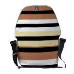 La obra clásica colorea la bolsa de mensajero del  bolsas de mensajeria