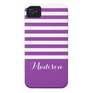 La obra clásica púrpura y blanca raya el monograma Case-Mate iPhone 4 fundas
