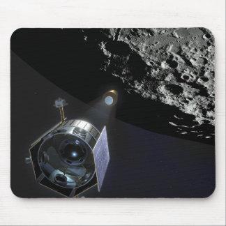 La observación del cráter lunar alfombrilla de ratones