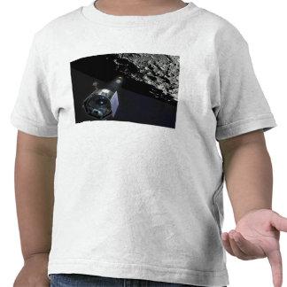 La observación del cráter lunar camisetas
