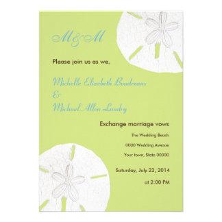 La oferta tira el boda verde del dólar de arena invitación personalizada