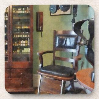 La oficina del oculista posavasos de bebidas