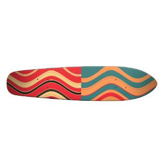 La onda colorida retra raya el arte decorativo 3 patin personalizado