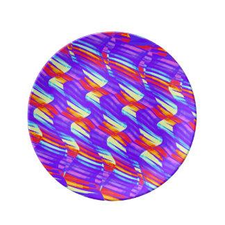 La onda púrpura brillante colorida tuerce las ilus platos de cerámica