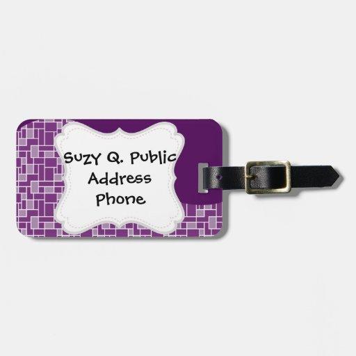 La onda púrpura oscura bonita tejó los regalos del etiquetas de equipaje