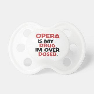 La ópera es mi droga que estoy sobre dosificado chupete de bebe