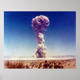La operación de prueba de las armas nucleares Tipo Impresiones
