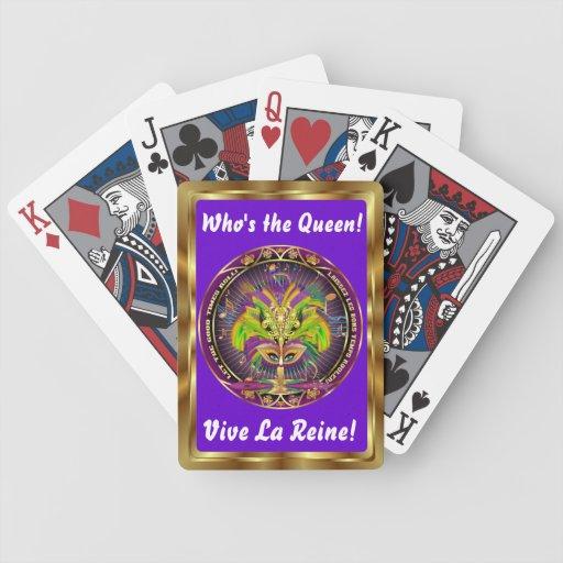 La opinión de la reina del carnaval observa por cartas de juego