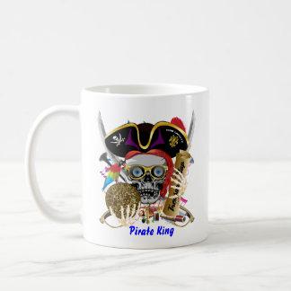 La opinión del payaso del fiesta del carnaval hace taza de café