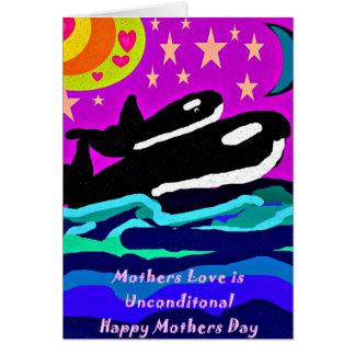 La orca con la luna del becerro protagoniza y la tarjeta de felicitación