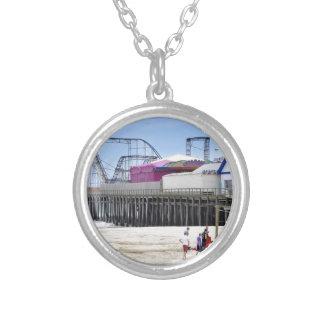La orilla del jersey en las alturas de la playa collares personalizados