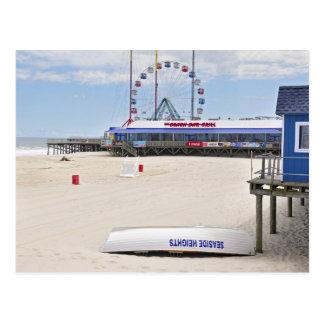 La orilla del jersey en las alturas de la playa tarjetas postales