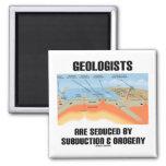 La orogenia seducen a los geólogos la subducción y iman de nevera