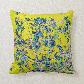 la orquídea florece el trullo y el desig abstracto almohadas