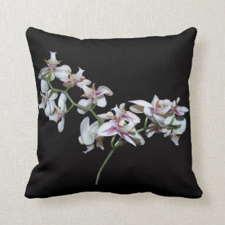 La orquídea florece la almohada