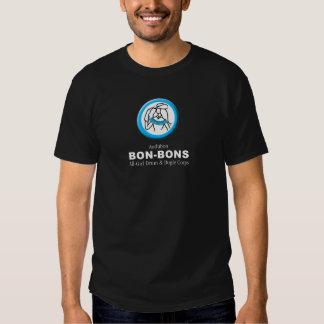 La oscuridad coloreó la camiseta con el logotipo poleras