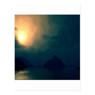 La oscuridad de la salida del sol prevalece luz postal