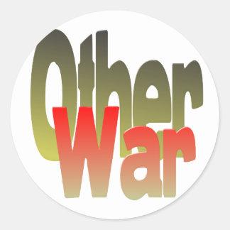 la otra guerra etiquetas redondas