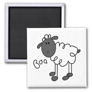 La oveja dice las camisetas y los regalos del Baa Imán Cuadrado