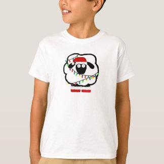 La oveja festiva embroma la camisa