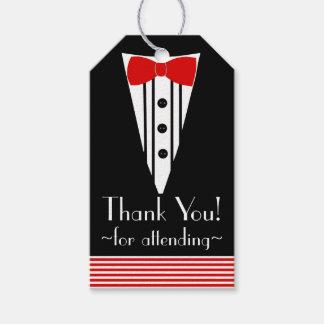 La pajarita roja del smoking negro le agradece etiquetas para regalos