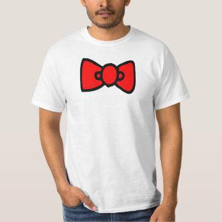 La pajarita viste para arriba la camisa para las