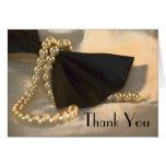 La pajarita y la dama de honor de las perlas le ag felicitaciones