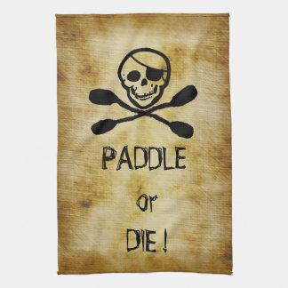 La paleta del kajak de la bandera de pirata o muer toallas de cocina