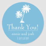 La palmera le agradece las etiquetas (el azul de pegatinas redondas