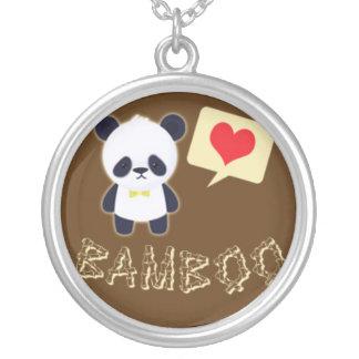 La panda ama el bambú colgante redondo