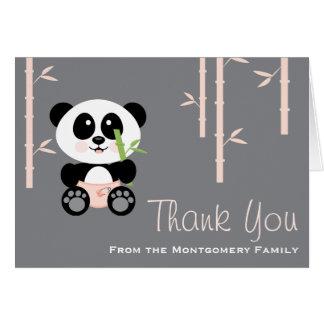 La panda de bambú rosada en fiesta de bienvenida a tarjeta
