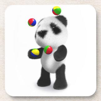 La panda linda del bebé 3d hace juegos malabares posavasos de bebidas