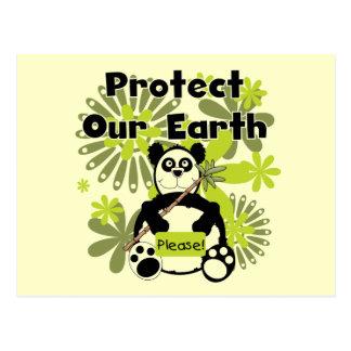 La panda protege nuestras camisetas y regalos de tarjeta postal