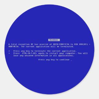 La pantalla azul del ordenador de la muerte pegatina redonda