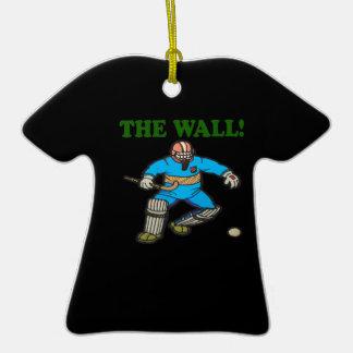 La pared adorno de cerámica en forma de camiseta