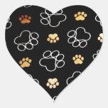 La pata del perrito del perro imprime los regalos colcomanias de corazon personalizadas