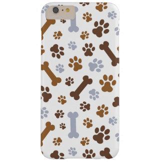 La pata del perro imprime el modelo funda de iPhone 6 plus barely there