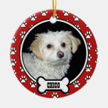La pata imprime el ornamento rojo conmemorativo de ornamento para arbol de navidad